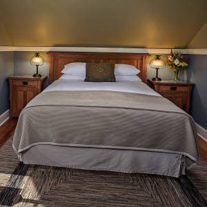 Crater Lake room