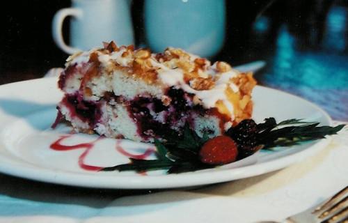 Langley, WA , Eagles Nest Inn Favorite Recipes: Wild Blackberry Coffee Cake