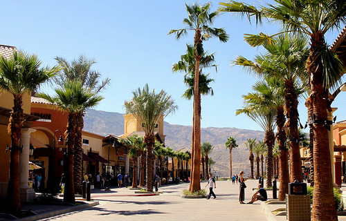 What Are the Best Places for Shopping in Palm Springs, CA?