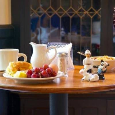 burlington vermont bed and breakfast- is Made inn Vermont Bed and Breakfast, Urban-Chic