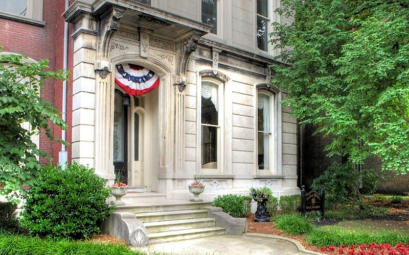 DuPont Mansion 's Neighborhood