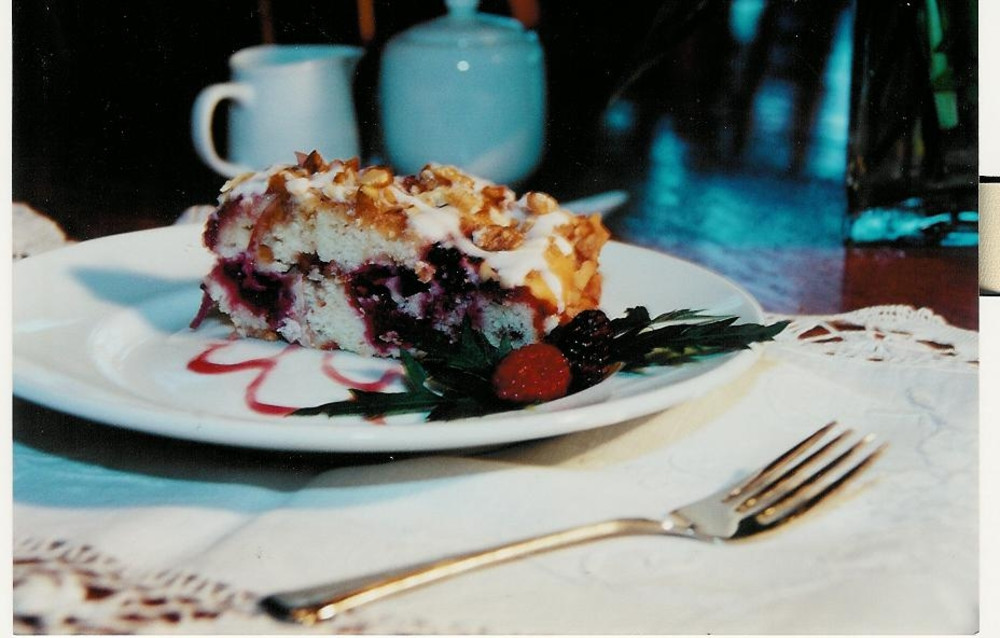 Langley, WA , Eagles Nest Inn Favorite Recipes: Wild Blackberry Coffee Cake