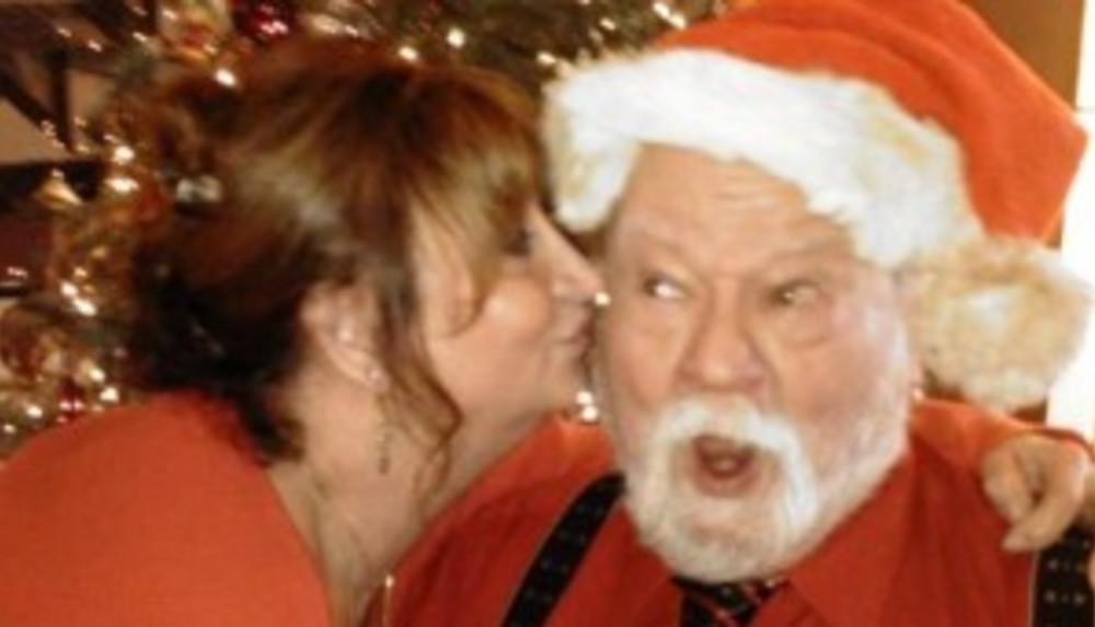 """The """"Real"""" Santa Visits Boreas Inn -Long Beach, WA"""
