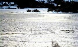 Mysterious rings on ice|Mystiske ringer på isen