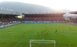 Football in sunset Fotball i solnedgang
