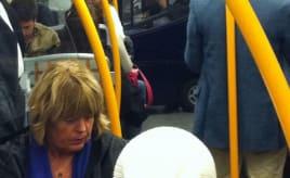 Incredible things people bring with them on the train|Utrolig hva folk tar med seg på toget