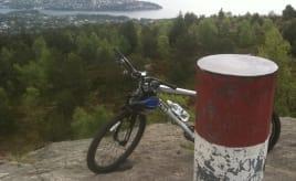 Cycling up and down Geitanuken Syklet opp og ned Geitanuken