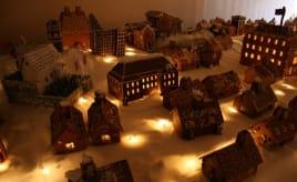 Gingerbread city in ruins|Vandaler i Pepperkakebyen