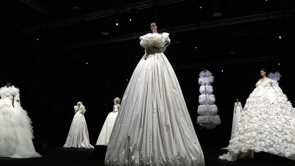 Valentino Haute Couture FW 2021 | Backstage