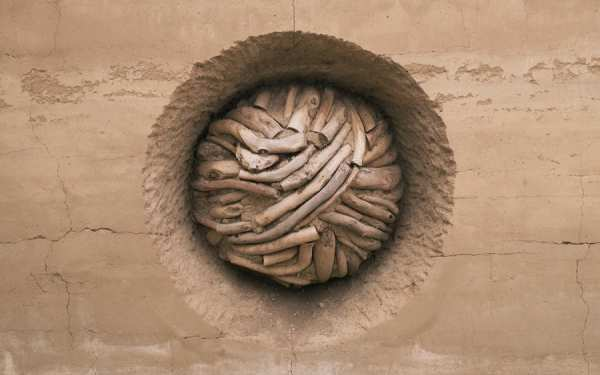Andy Goldsworthy's Earth Wall