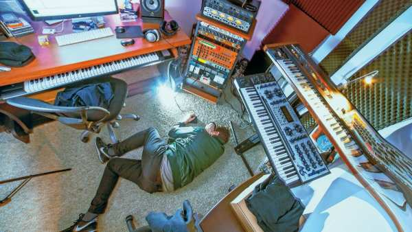 Oneohtrix Point Never on Studio recording, New age music and Replica