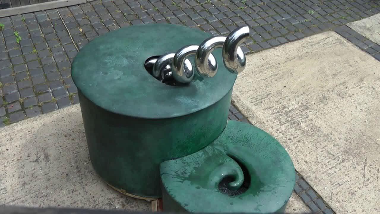 Archie water sculpture by William Pye