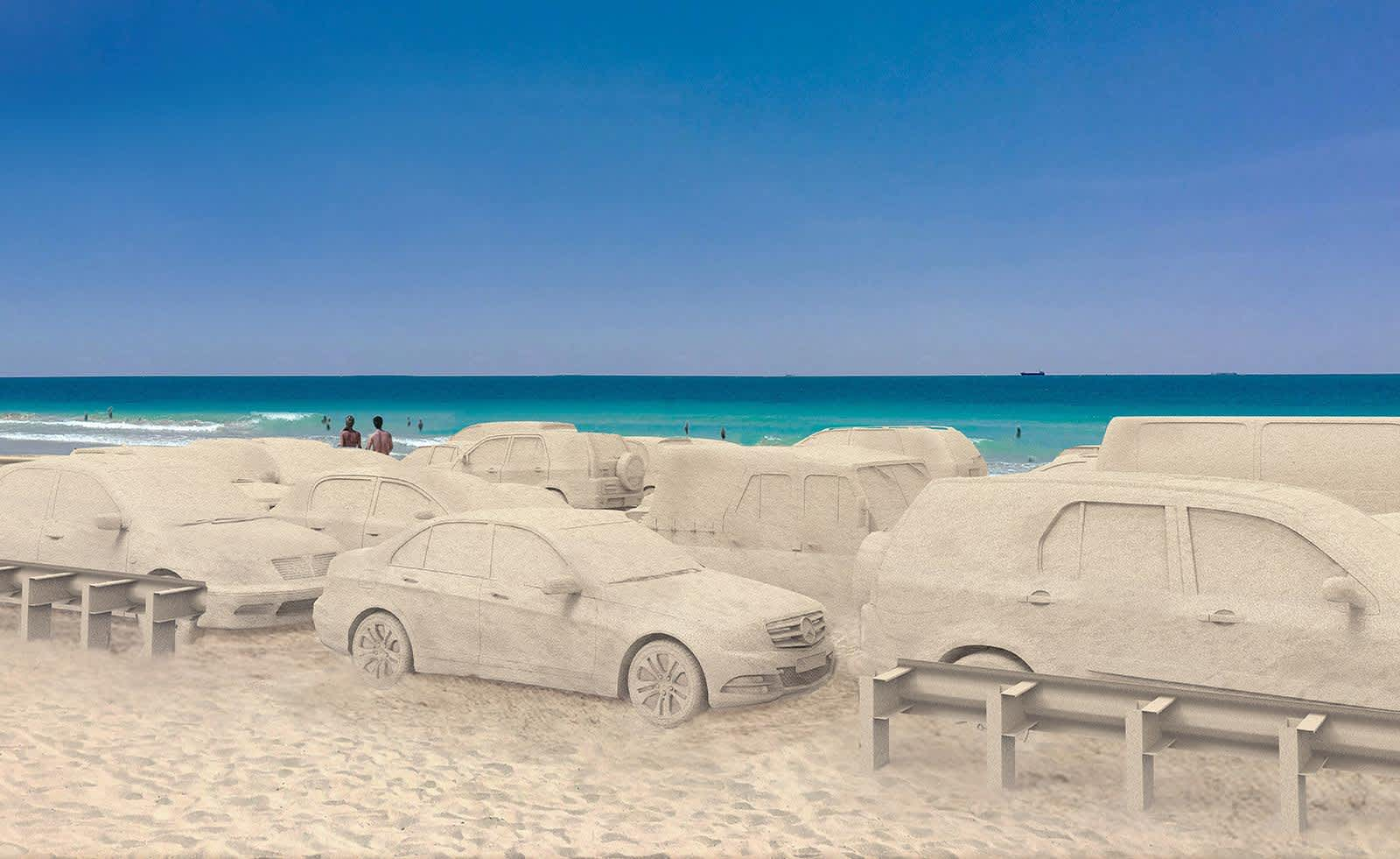 Leandro Erlich creates sand-covered traffic jam on Miami beach