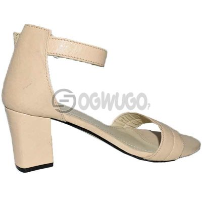 Womens Block-heel Leather Buckle-strap Cream-coloured Sandal.
