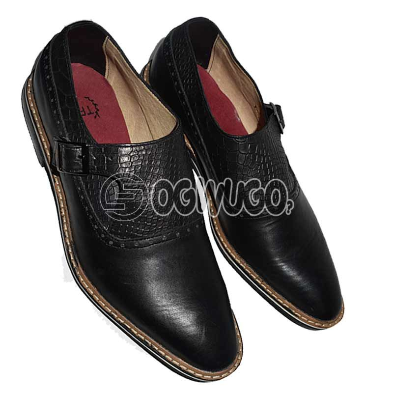 Pointed-toe Leathered Mens Shoe.