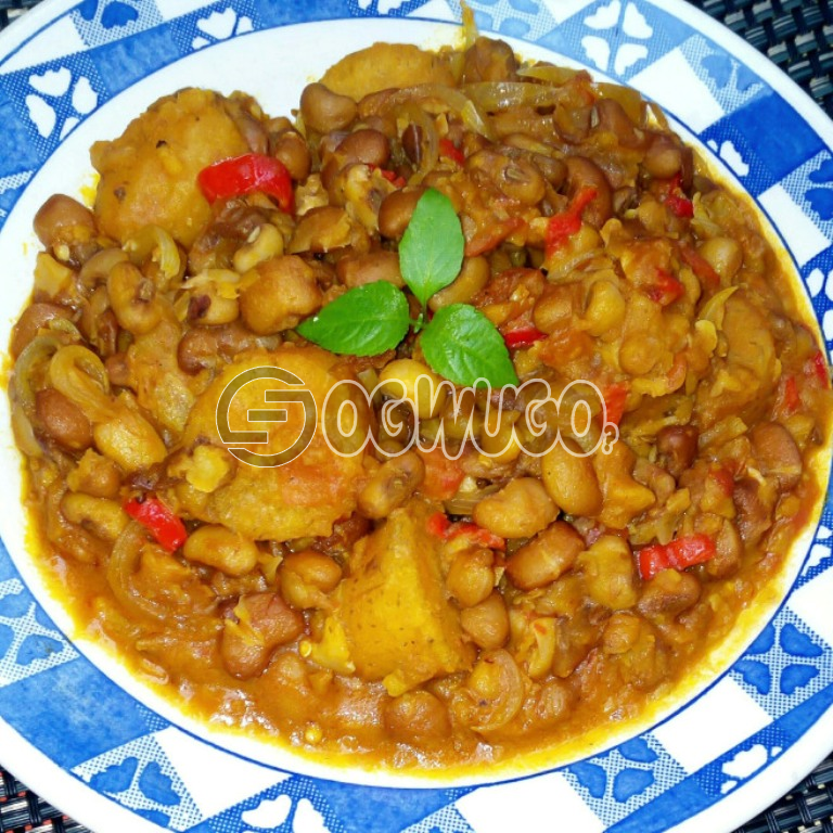 Delicious Porridge Beans and Plantain with Fresh Fish or Pork Meat, to give you maximum satisfaction and a fill of home made food: unable to load image