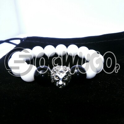 Boqer Royalty bracelets comes in silver heads which is in different sizes and designs.