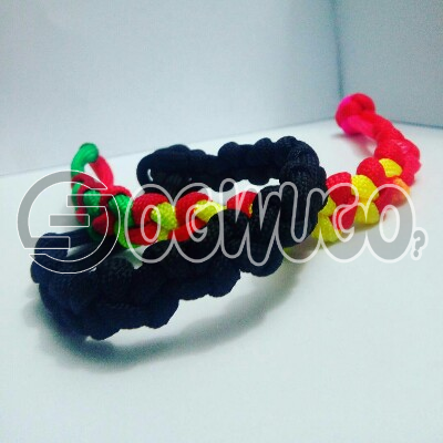 Boqer paracord bracelets. This bracelets comes in different colours shapes and designs. P: unable to load image