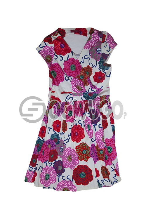 Xiaorong (redflowered) gown for kids between the ages of 12-years. Beautifully made for your various occasion.