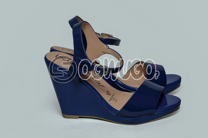 Betts for her(blue)This easy-going pair of shoes has been designed to give your feet amazing comfort