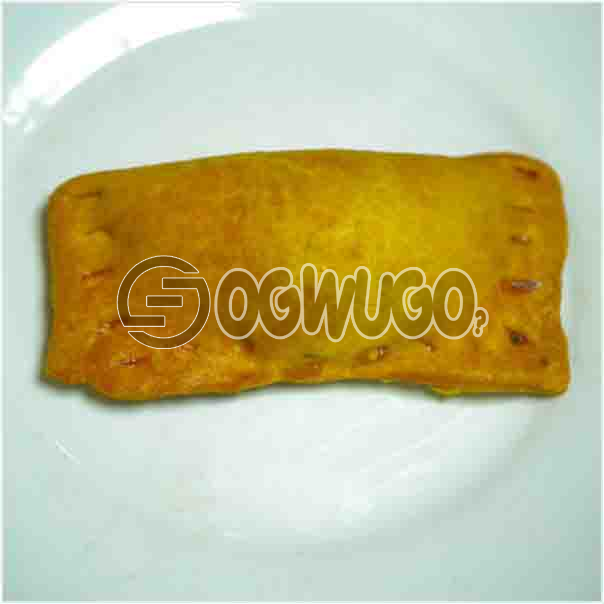 Freshly baked savory Chicken PIE it comes with a filling of meat just the way you like: unable to load image