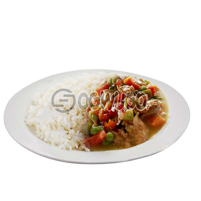 Hot delicious and tasty white Rice and Chicken curry sauce with two pieces of beef.