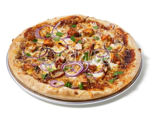 Chicken Pizza (MEDIUM) Made with Chicken, Onion, Tomato, Mushroom, Green pepper, Tomato Sauce and Cheese: unable to load image