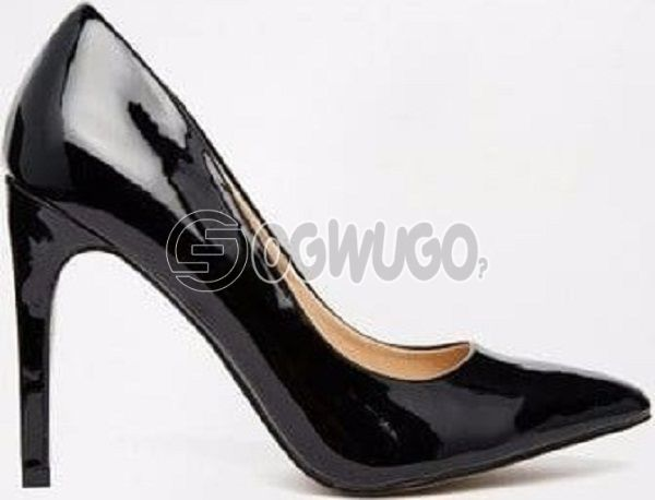 Forever 21 Ladies Comfy Heeled Shoes- Black  great fitting ,great  friendly fashion for women