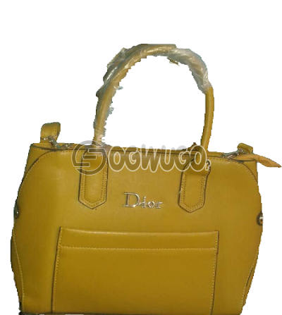 Portable and original Dior handbag, order now and have it delivered in two days: unable to load image