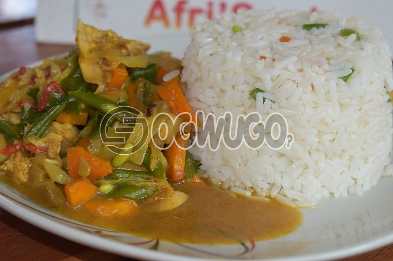 White Rice & Chicken Curry Sauce