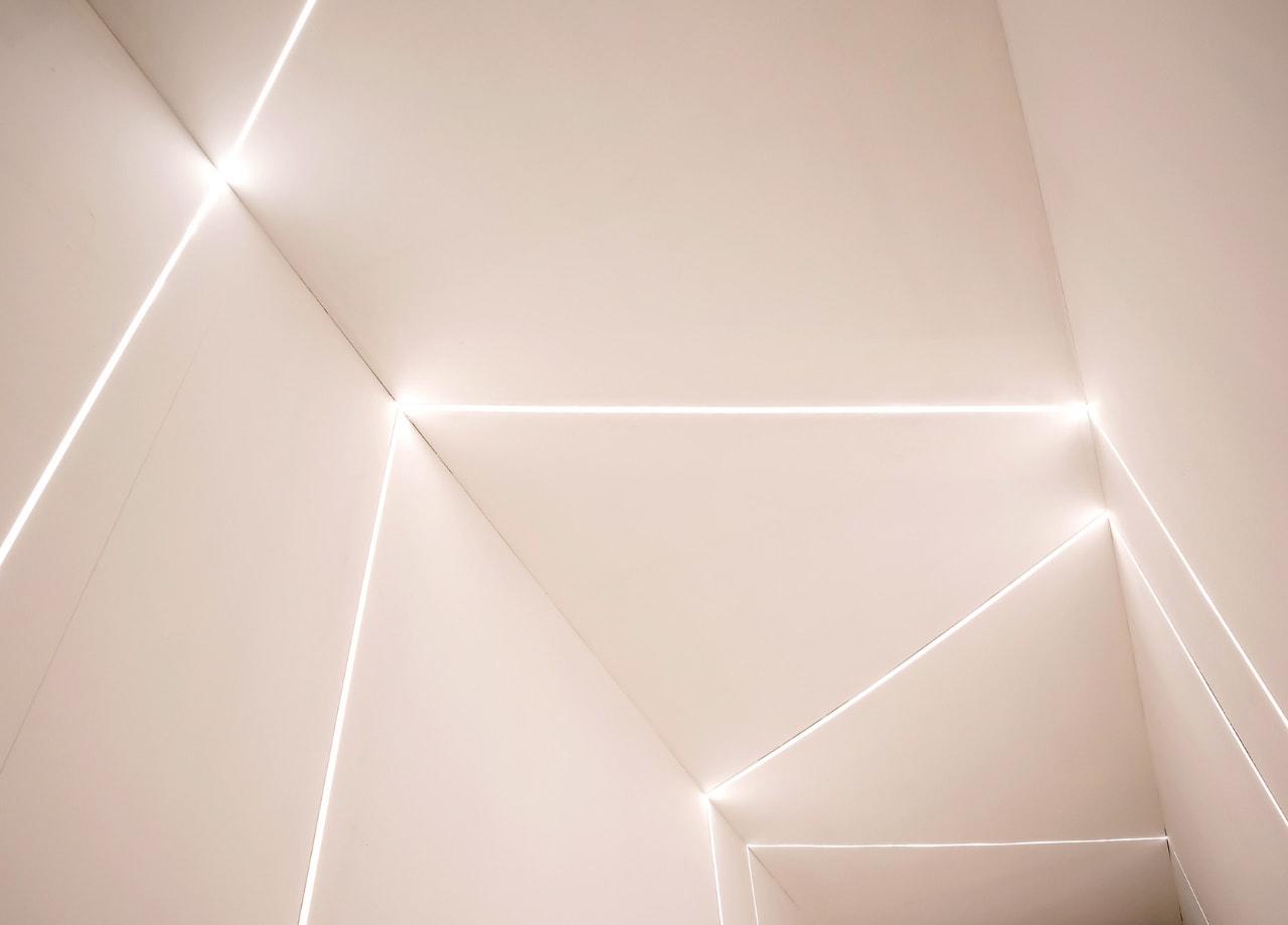 Imagem de destaque do post Decoração com LED: dicas de iluminação para apartamento