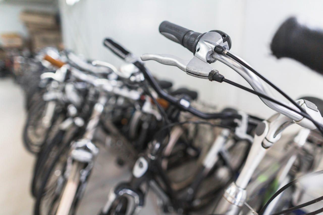 Imagem de destaque do post Bicicletário para condomínio: saiba as vantagens desse espaço