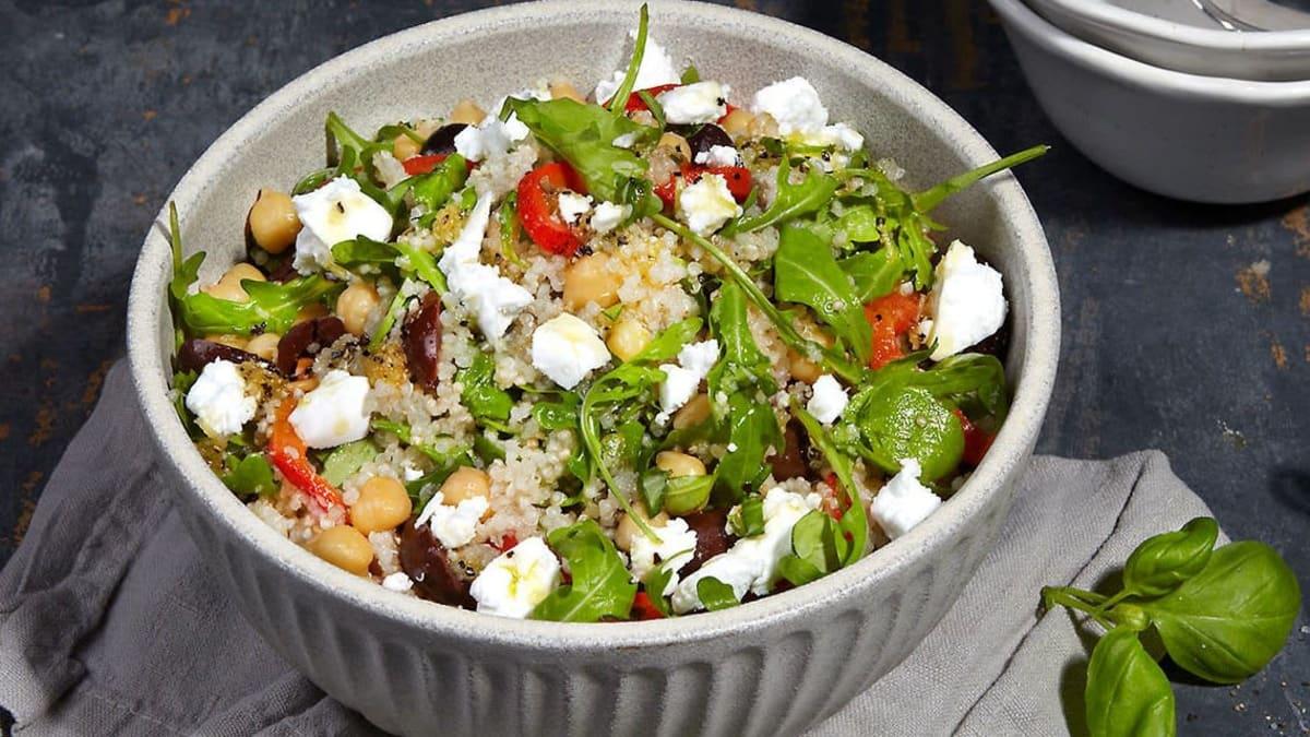 Middelhavssalat med quinoa