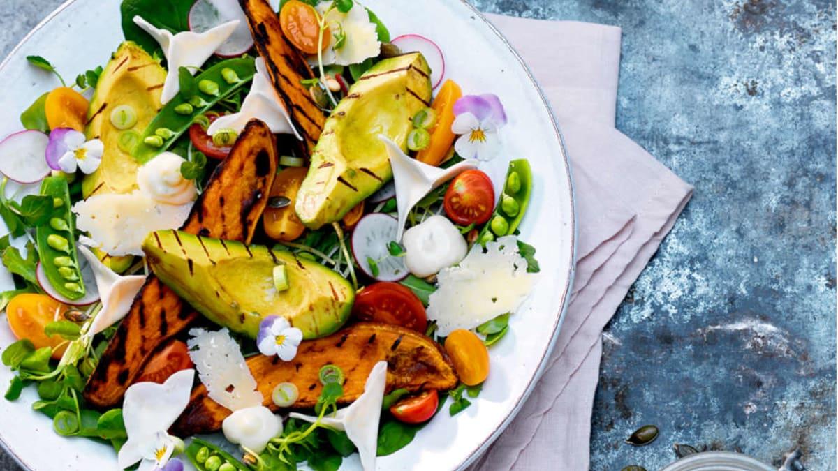 Grillet salat med dressing av Västerbottensost