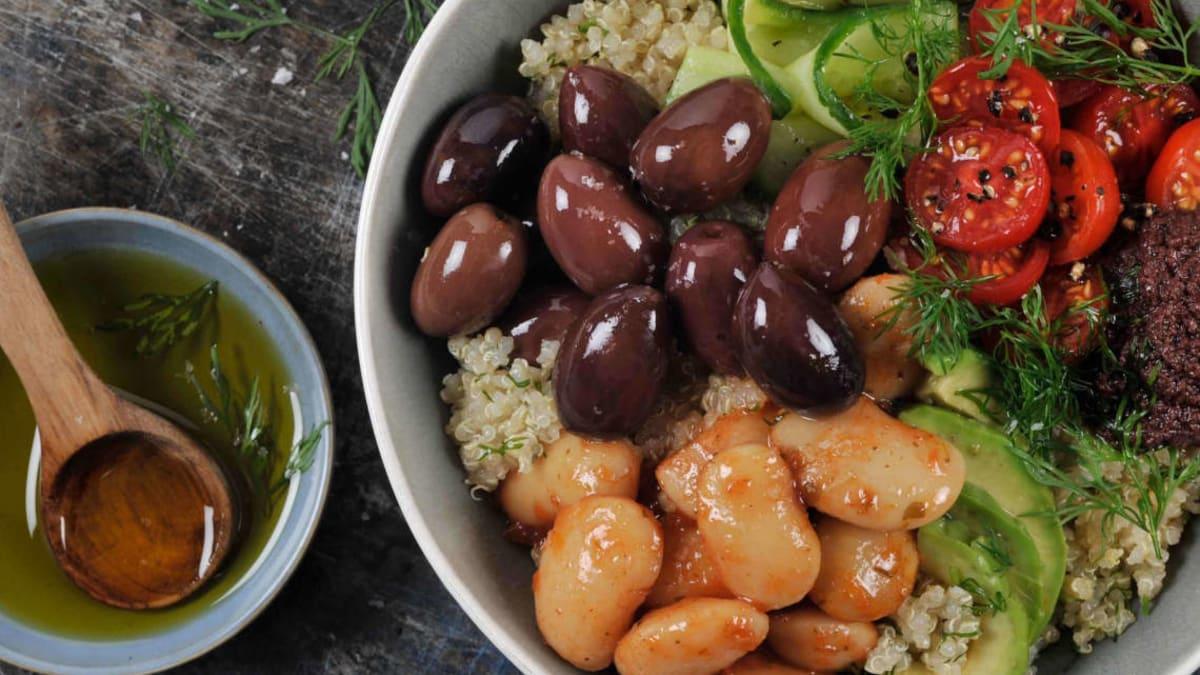 Pokè bowl med oliven