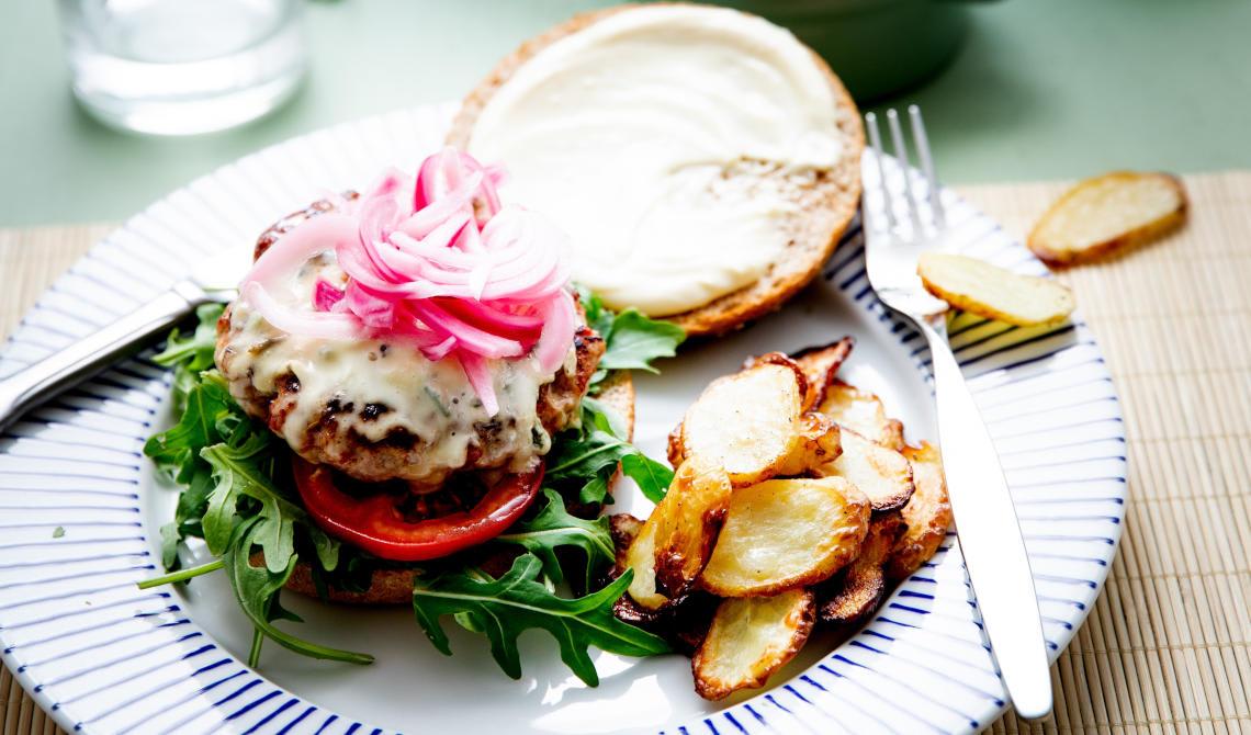 Juicy chorizoburger med Saint Agur