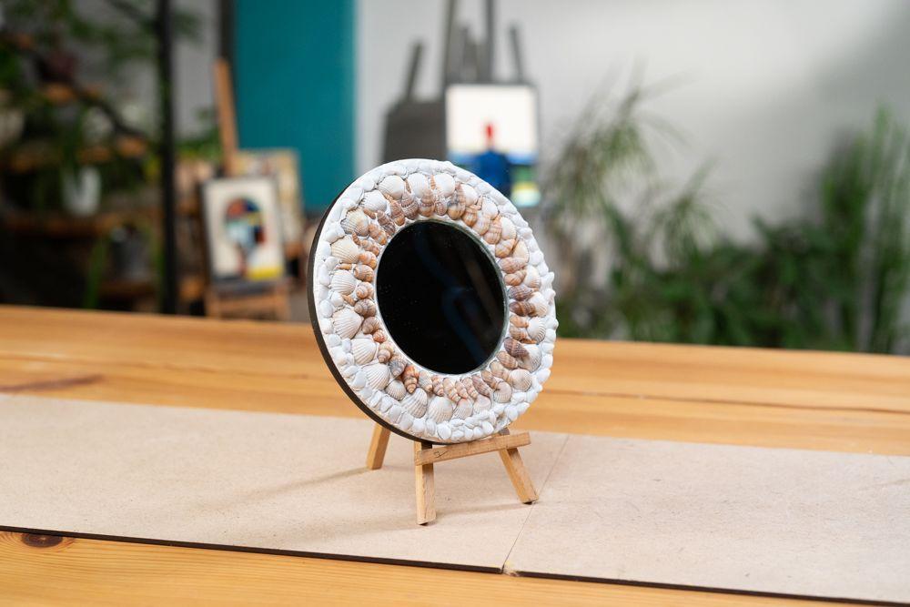 Декор. Зеркало с природными материалами