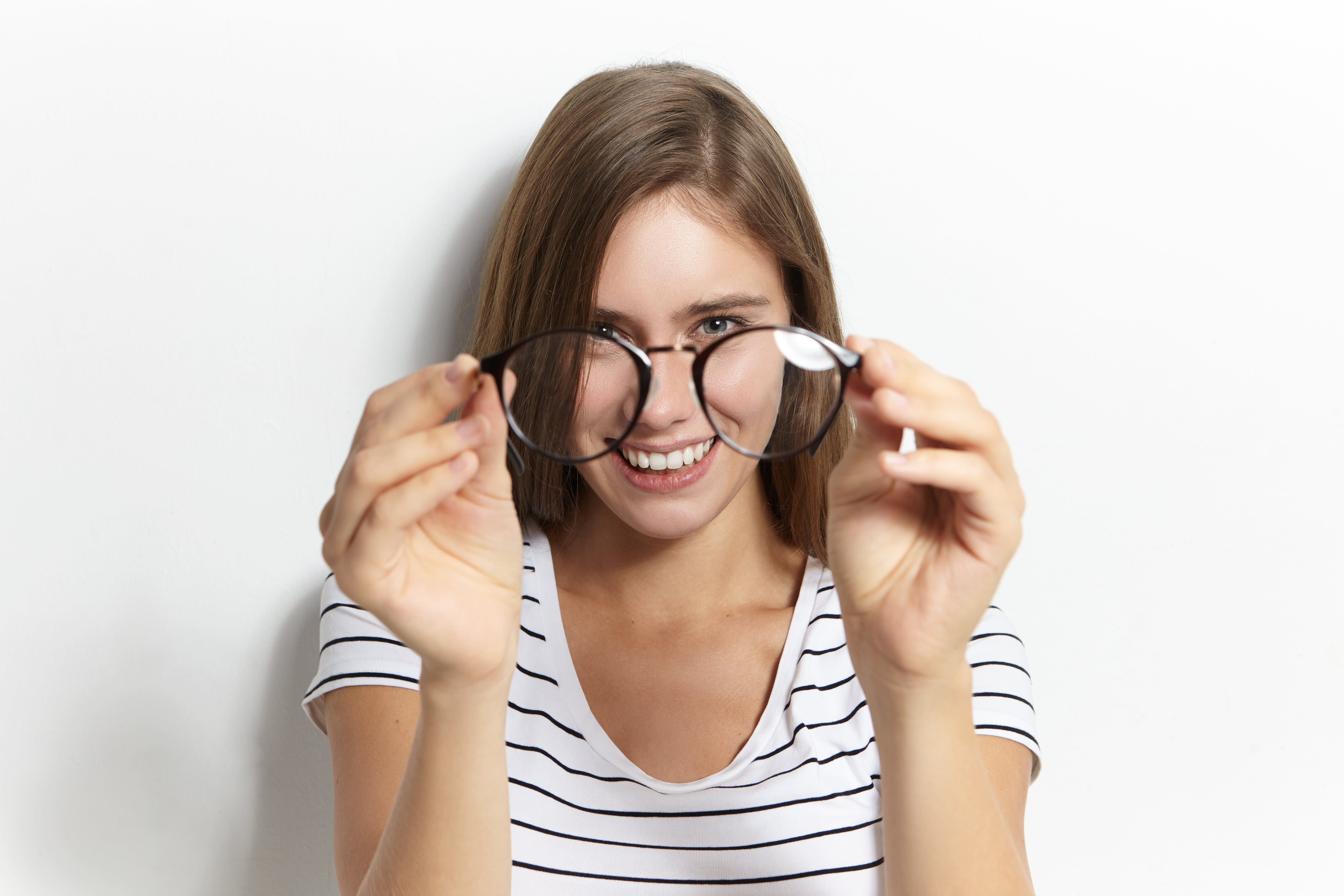 Fact or Fiction: Can Eyeglasses act as a shield against COVID-19?