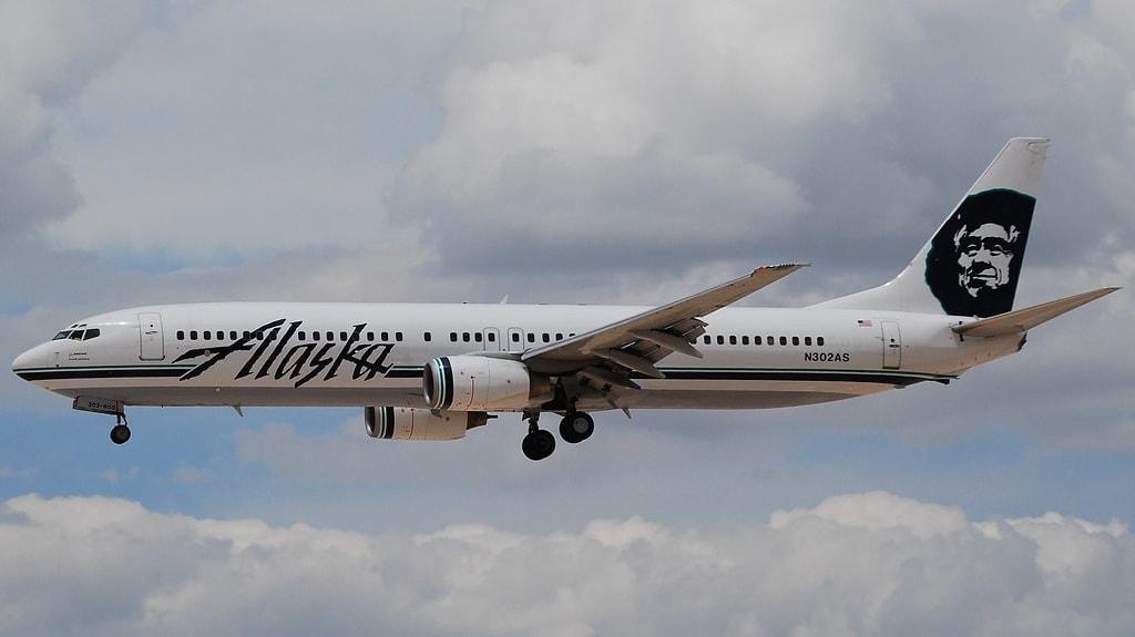 Boeing 737-990