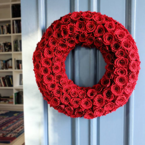 Infinite Rose Festive Wreath - OnlyRoses - The World's Finest Roses