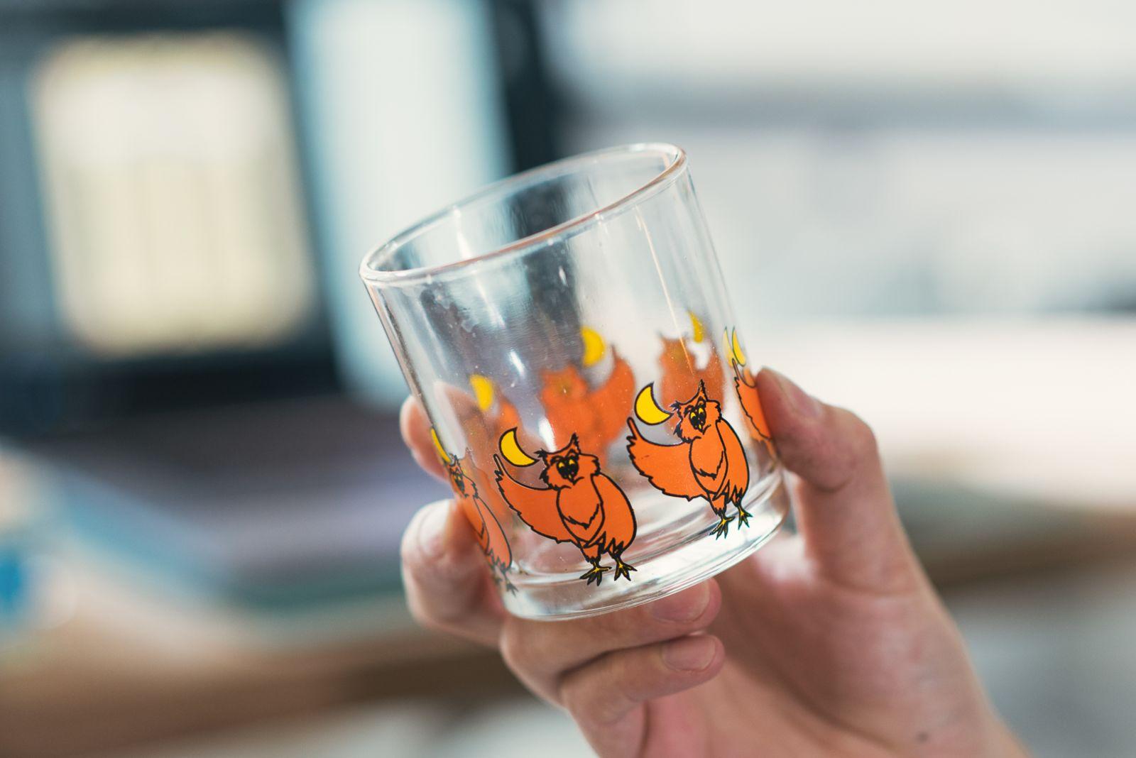 清邁買的貓頭鷹玻璃杯是小酌良拌。