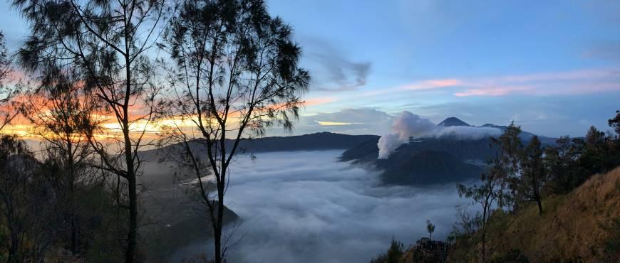 Borneo, Volcanes de Java e islas Gili