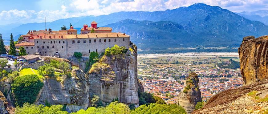 Alejandro el Grande: Atenas + Circuito Peloponeso, Delfos y Meteora