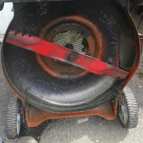 1459990875569_lawn mower blade.jpg