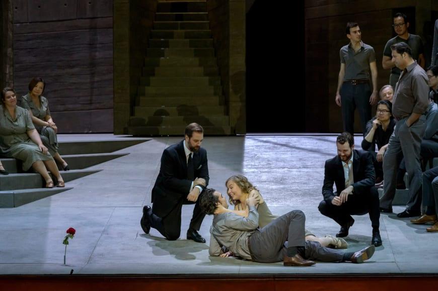 Etienne Dupuis (Don Giovanni), Mikhail Timoshenko (Masetto), Elsa Dreisig (Zerlina), Philippe Sly (Leporello), Palais Garnier, 2019