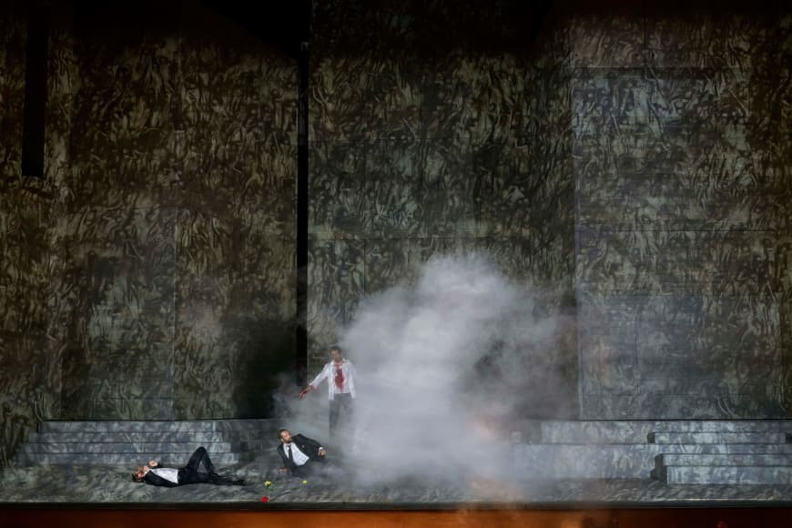 Philippe Sly (Leporello), Etienne Dupuis (Don Giovanni), Ain Anger (Il Commendatore), Palais Garnier, 2019