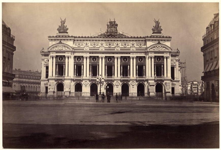 Delmaet&Durandelle - Dévoilement de la façade du nouvel Opéra, 15 août 1867 Photographie, 25,9 x 38,3 cm. BnF, département de la Musique, Bibliothèque-musée de l'Opéra.