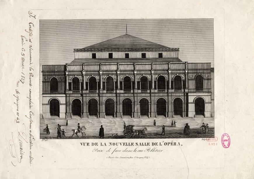 Vue de la façade principale de l'Opéra de la rue Le Peletier. Estampe, 29,7 x 46,5 cm. BnF, département de la Musique, Bibliothèque-musée de l'Opéra.