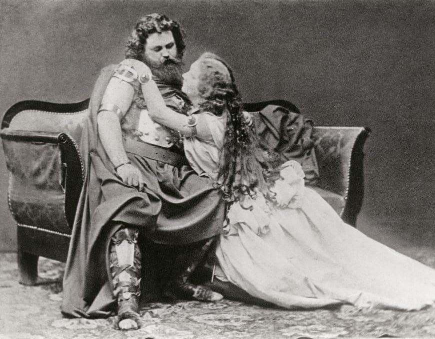 Ludwig et Malwine Schnorr von Carolsfeld dans les rôles-titres de Tristan et Isolde lors de la création de l'œuvre à Munich, 1865