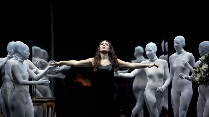 Sonya Yoncheva dans La Traviata de Verdi au Staatsoper de Berlin en décembre 2015
